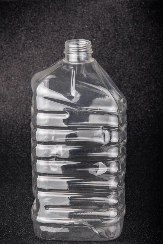 Пластиковая (ПЭТ) бутылка, объем - 3 л (диаметр горла - 38 мм) - 1